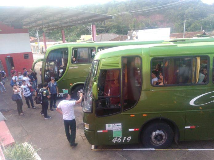 Programa de Transporte Social Universitário beneficia mais de 260 alunos.