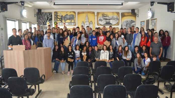 Jovens no I Fórum da Juventude