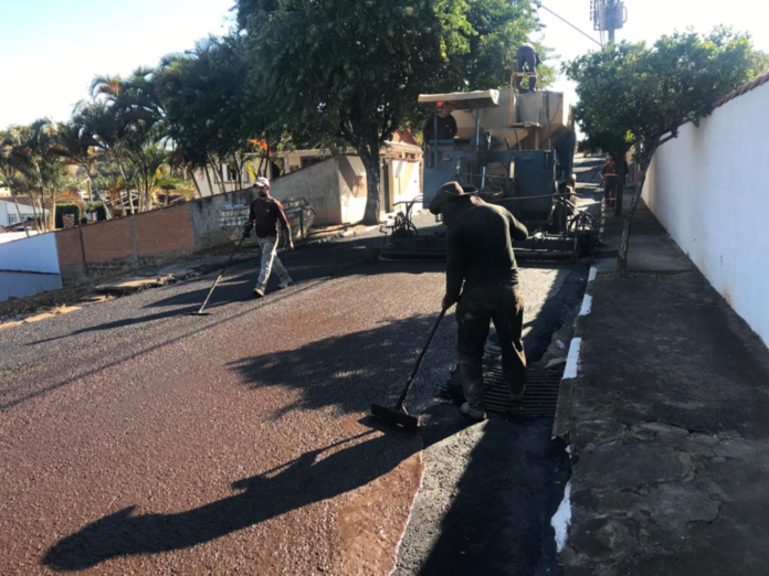 Obras na Avenida Velha