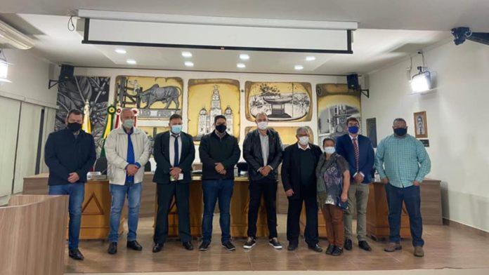 Encontro do prefeito e vice-prefeito de Ouro Fino com Igor Timo